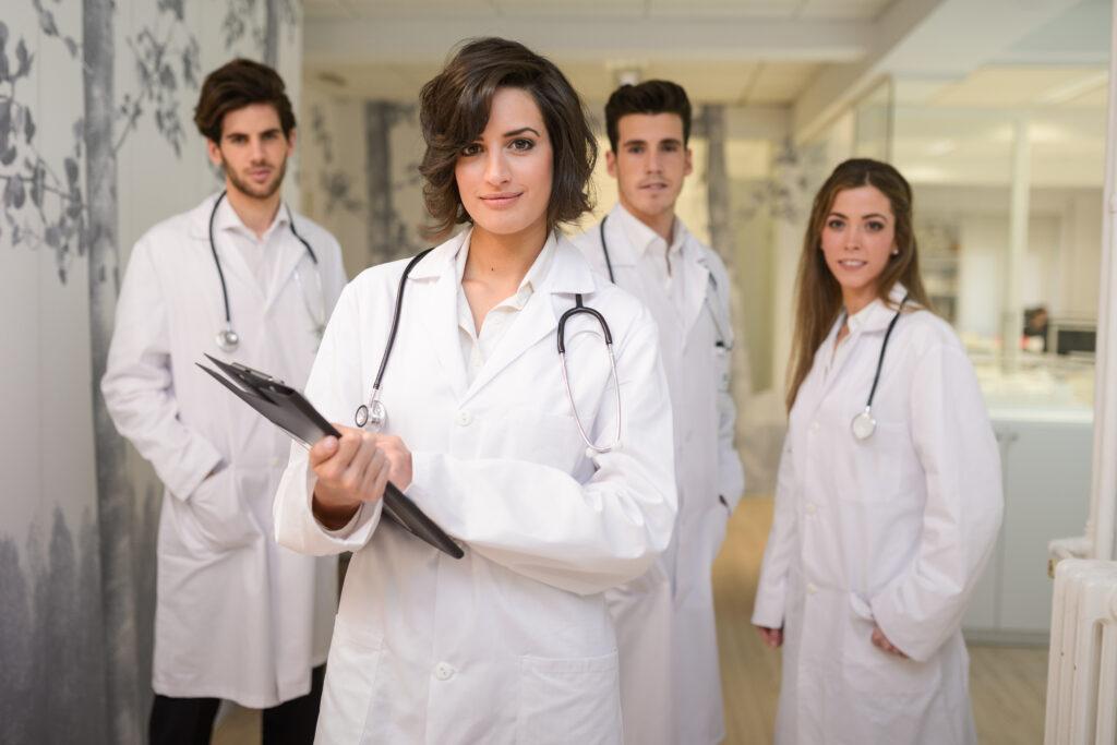 Medicos posando para foto